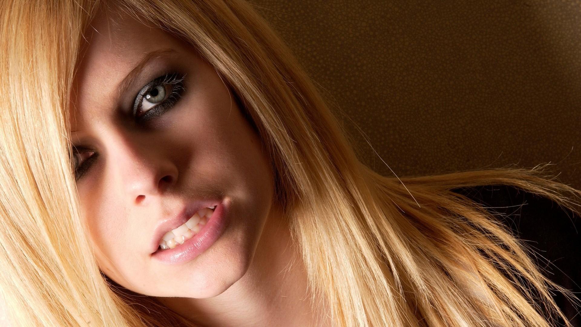 Beautiful Expersion Girl Wallpapers Wallpaper Face Women Model Blonde Long Hair Red
