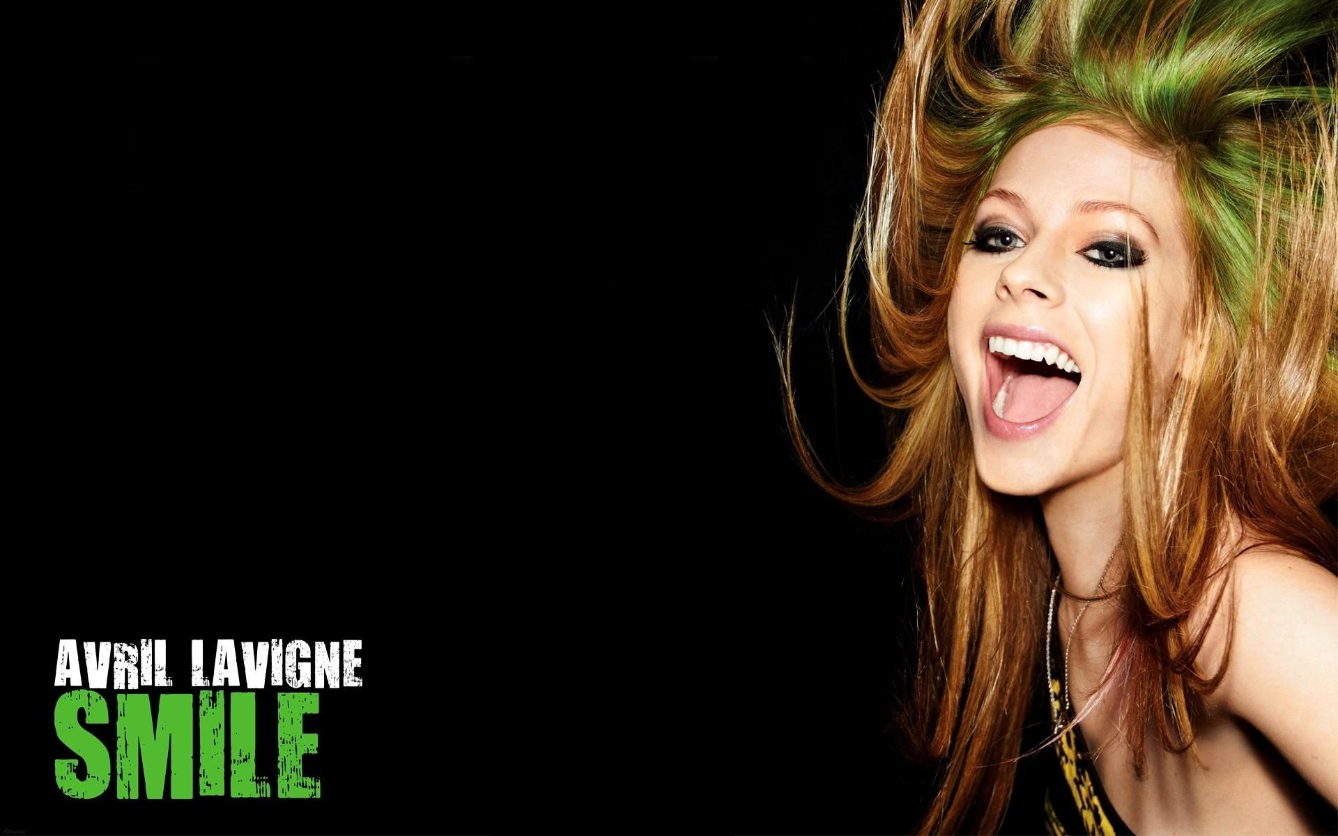 wallpaper : long hair, singer, avril lavigne, microphone, joy, mouth