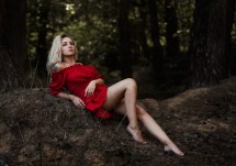 Wallpaper Model Blonde Viewer Sitting Red