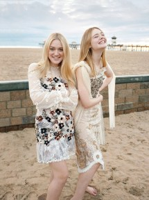 2017 Dakota Fanning and Elle Fanning