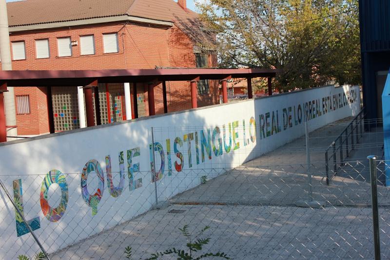 Mural del interior del patio del Centro AUCAVI-Sur. Foto_Ruth Holgado.