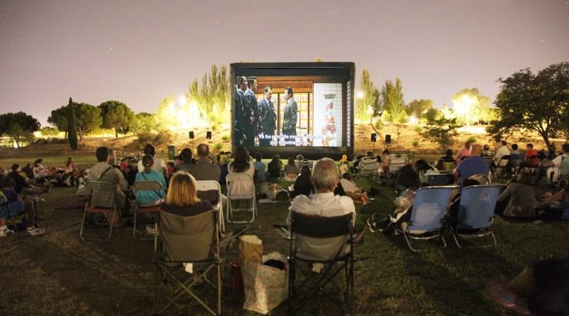 Vuelven las noches de cine de verano en los lagos y en los barrios