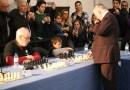 Kárpov llenó el Espacio Mercado con sus simultáneas de ajedrez