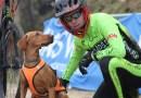 Alejandro Calderón se proclama campeón de España de patín(scooter) junto a su perra Viking
