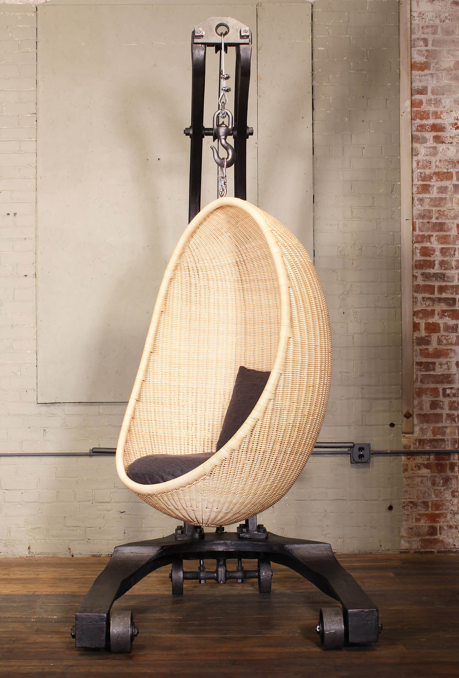 Egg Chair Hanging From Ceiling Antique Egg Chairs Expert Blog
