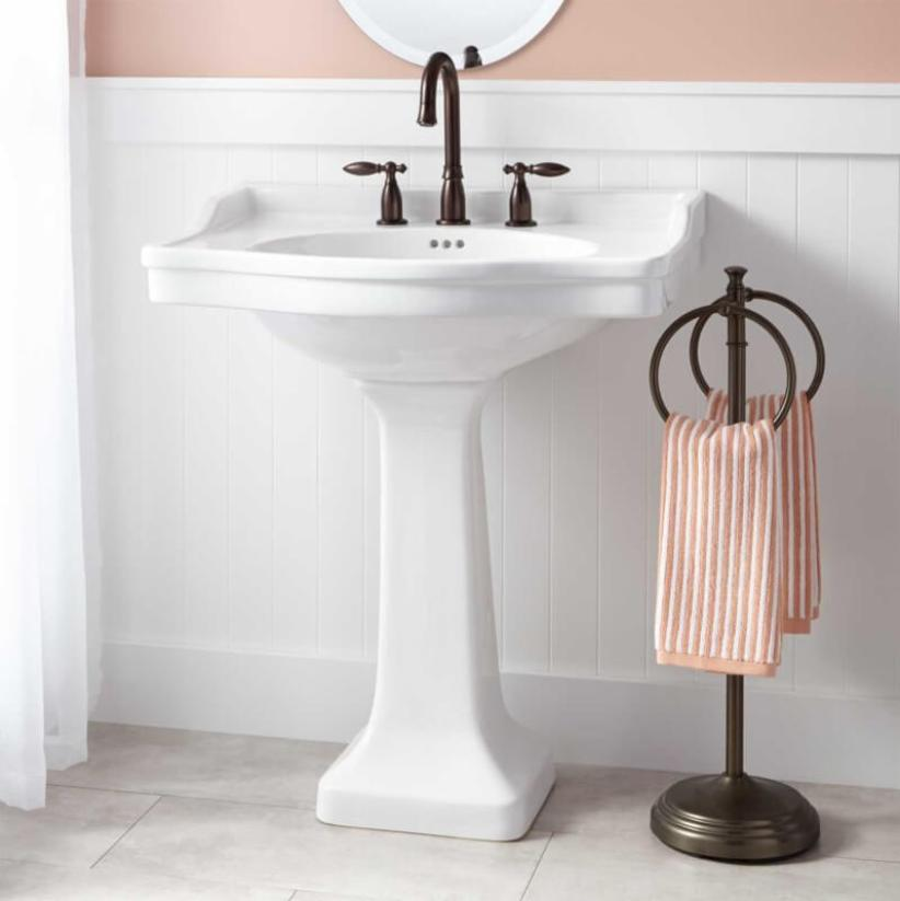 Lovely bathroom shower ideas for small spaces #halfbathroomideas #smallbathroomideas #bathroomdesignideas