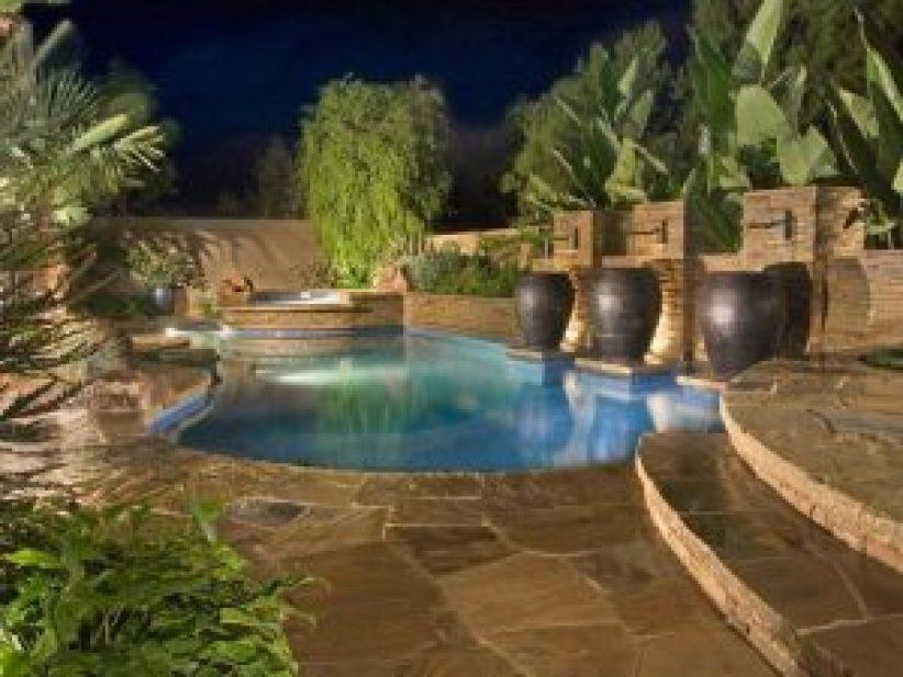 Nice house design with swimming pool #swimmingpooldesign #pooldeckandpatiodesigns #smallbackyardpools