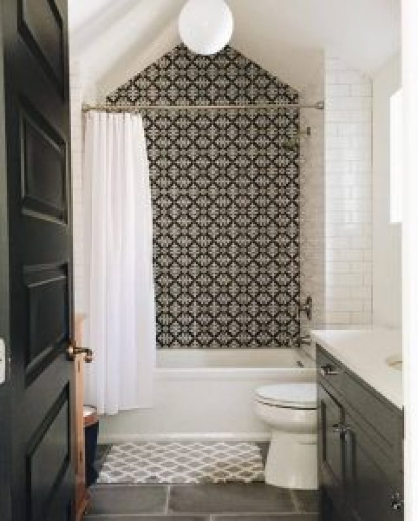 Nice bathtub shower tile designs #bathroomtileideas #bathroomtileremodel