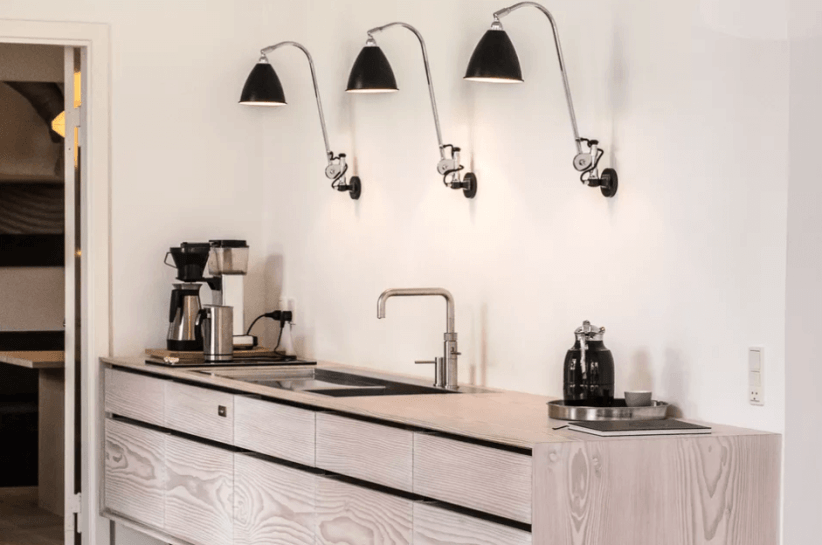 Colorful kitchen lighting ideas over island #kitchenlightingideas #kitchencabinetlighting