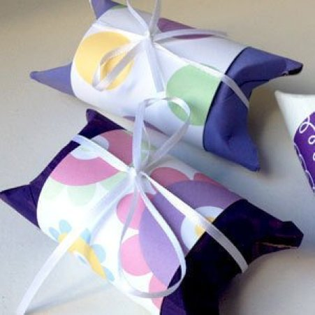 Colorful art ideas with toilet paper rolls #toiletpaperrollcrafts #diytoiletpaperroll #toiletpaper