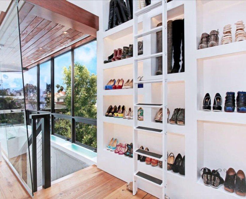 Astonishing walk in closet organizer #walkinclosetdesign #closetorganization #bedroomcloset