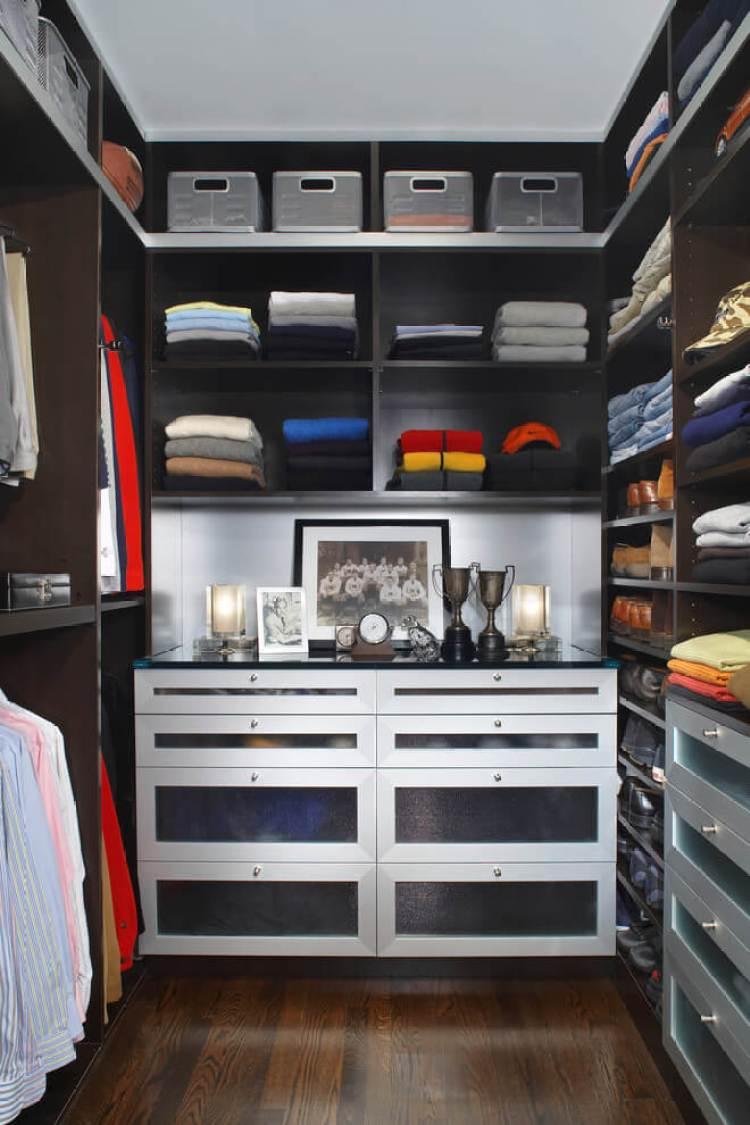 Fantastic small wardrobe closet #walkinclosetdesign #closetorganization #bedroomcloset