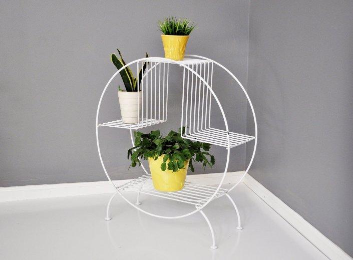 Unbelievable indoor plant stands for multiple plants #diyplantstandideas #plantstandideas #plantstand