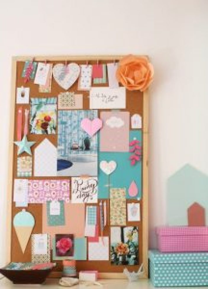 Staggering fall bulletin boards #corkboardideas #bulletinboardideas #walldecor