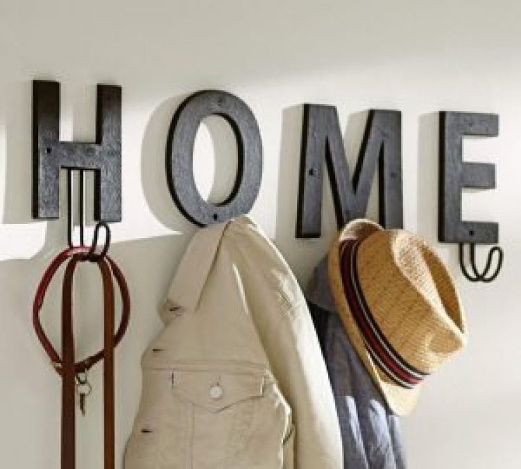 Breathtaking coat hanger stand #diyhatrack #hatrackideas #caprack #hanginghatrack