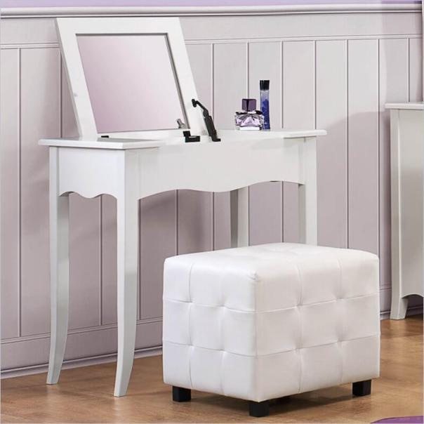 Famous dressing table #makeuproomideas #makeupstorageideas #diymakeuporganizer