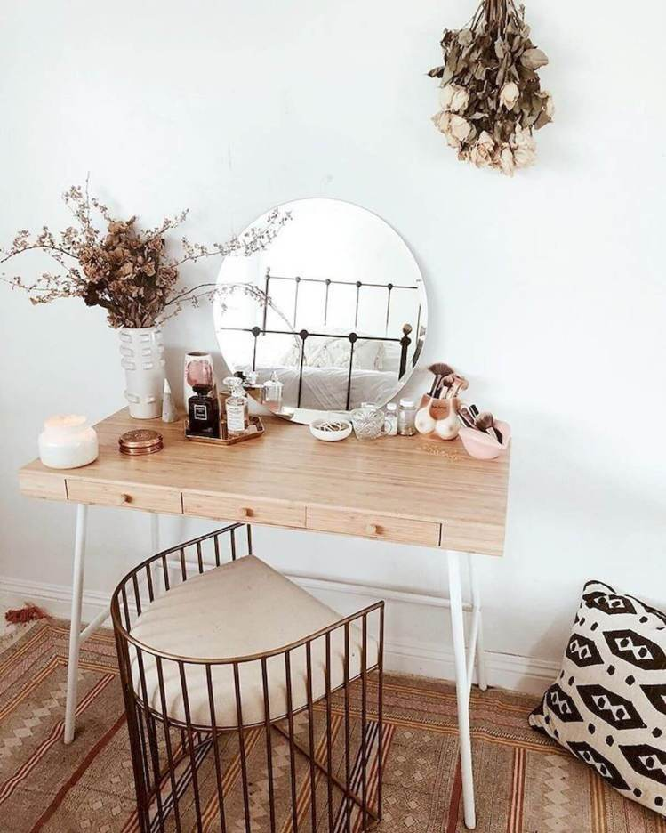 Terrific simple makeup room ideas #makeuproomideas #makeupstorageideas #diymakeuporganizer