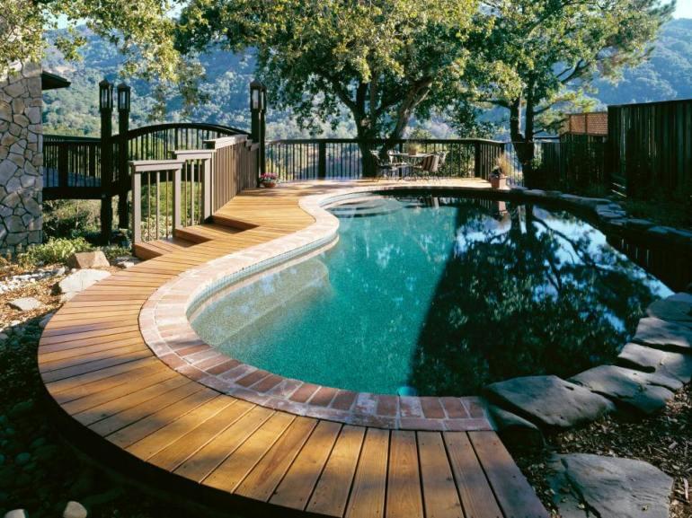 Great rooftop swimming pool design in house #swimmingpooldesign #pooldeckandpatiodesigns #smallbackyardpools