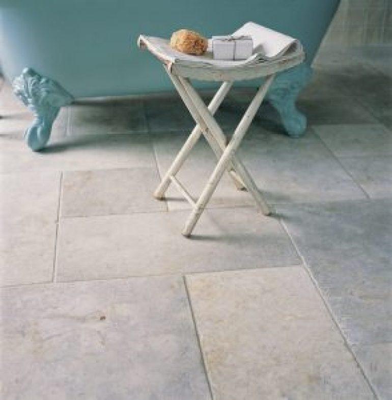 Best bathtub ceramic tile ideas #bathroomtileideas #bathroomtileremodel