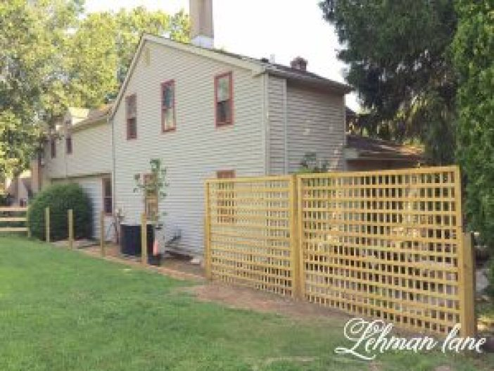 Spectacular deck privacy fence #privacyfenceideas #gardenfence #woodenfenceideas