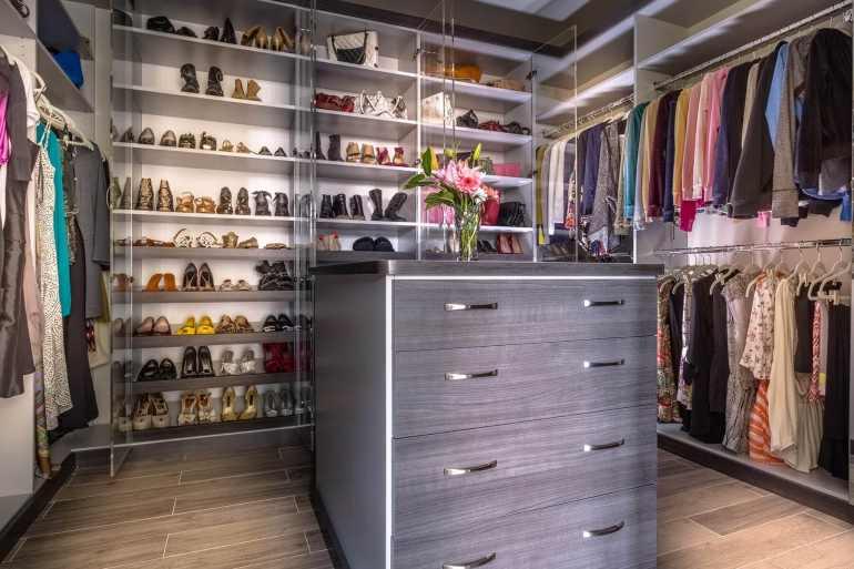 Unbelievable build your own closet #walkinclosetdesign #closetorganization #bedroomcloset