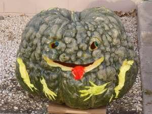 Halloween, pumpkin carving, pumpkin gutting, Jack O Lantern
