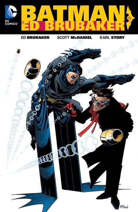 Batman by Ed Brubaker Vol. 1 (2016)