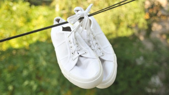 7 Tips To Clean White Shoes You Should Try And Test