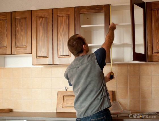 Refacing-Vs-Replacing-Kitchen-Cabinets