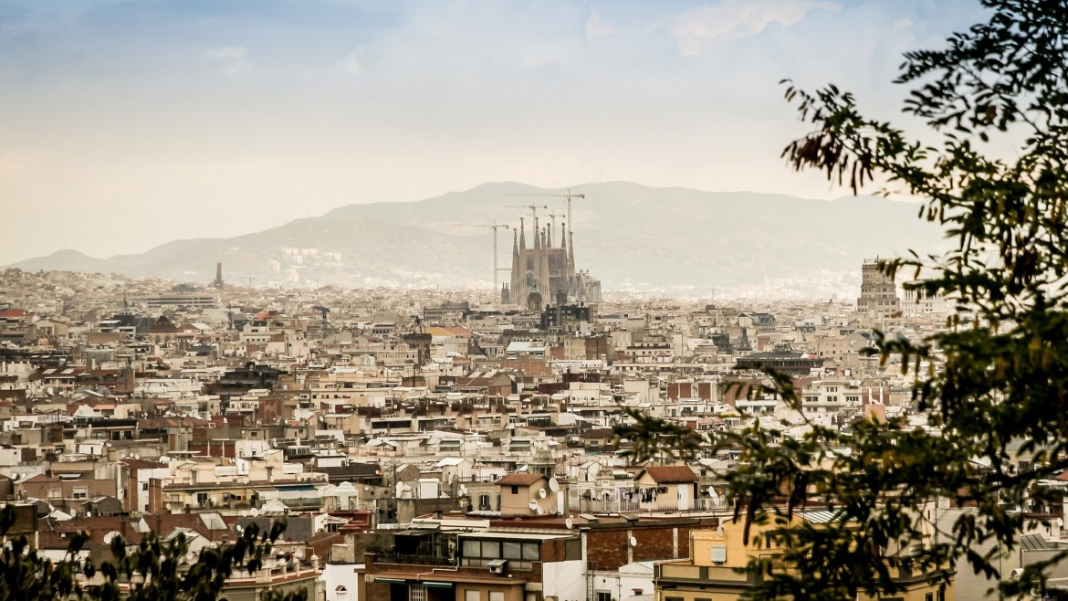 Visit Barcelona before you turn 30 with CROWD