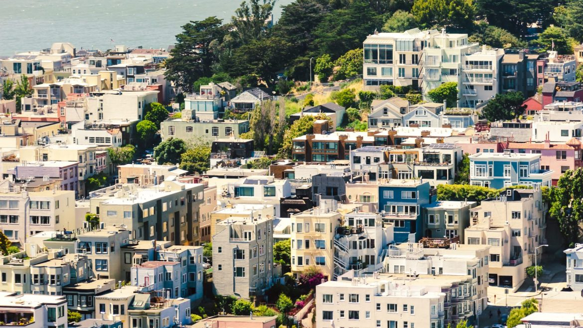 Visit San Francisco before you turn 30 with CROWD