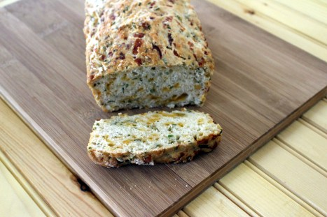 Chive Cheese and Beer Bread April 23 2015 (2)