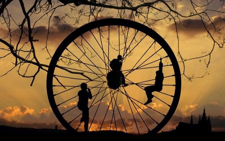 Đừng phát minh lại chiếc bánh xe. Đó là một câu chuyện thú vị mà Tuấn muốn chia sẻ với bạn trong bài viết này.