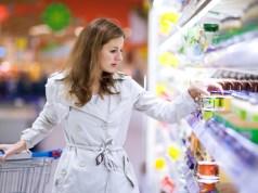 """Đừng để khách hàng """"cô đơn"""" chọn hàng, hãy tư vấn, giới thiệu, gợi mở nhu cầu tiêu dùng của họ"""