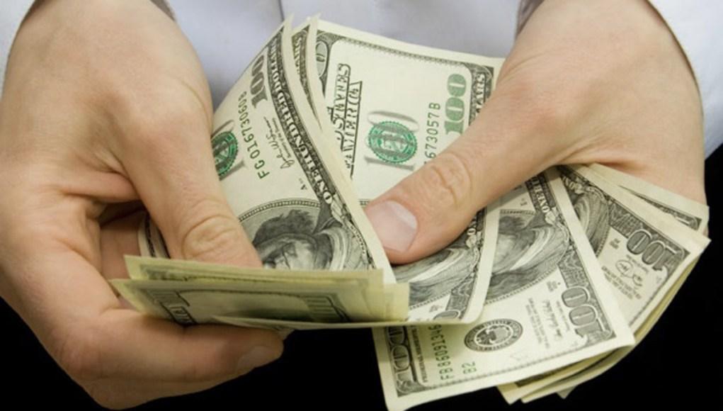 Giữ chân nhân tài: Lương, thưởng có là tất cả?