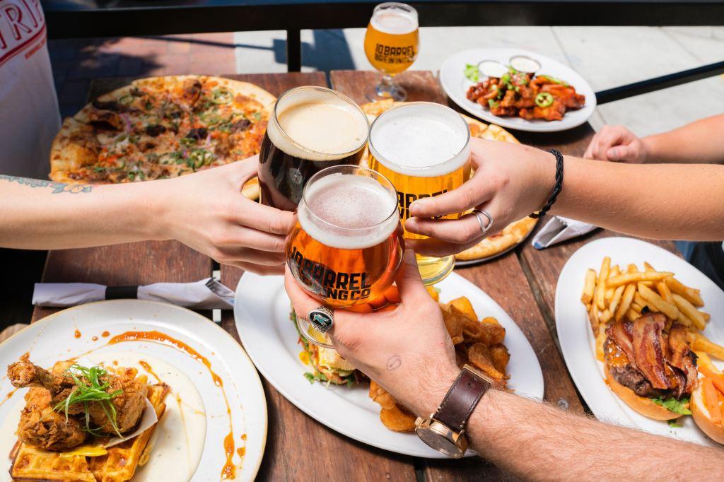 ダイエットの敵 ビールと食事