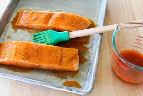 Sriracha obbsessed? These 13 healthy recipes will fuel your addiction!