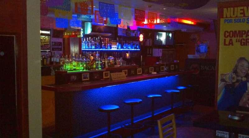 bar ken's and tres marias - 1