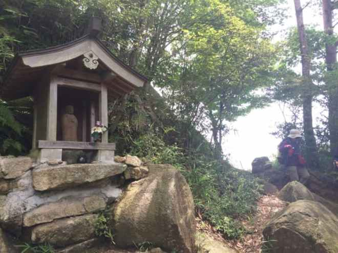 (18) Trailside Jizo shrine