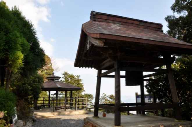 (26) Gokuraku-ji Temple Viewing Platform