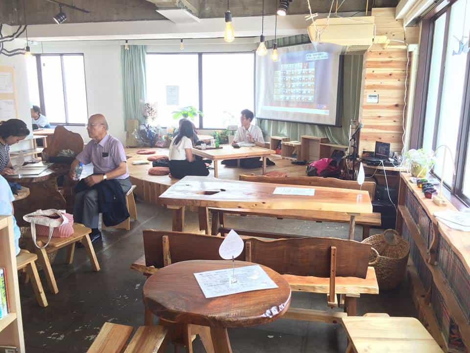 Social Book Cafe Hachidori-shajpg