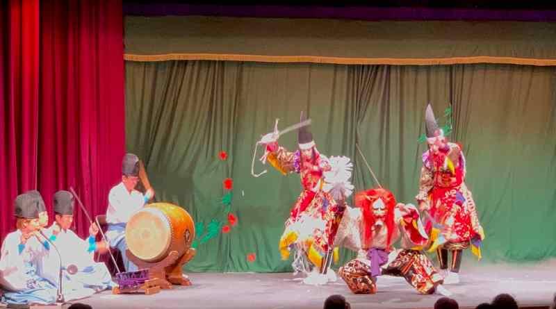 Momiji-gari – the Demon's Momiji Viewing Drinking Party Trap – Kagura Performance