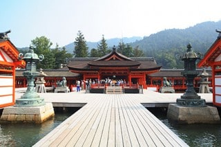 © Miyajima Tourism Association