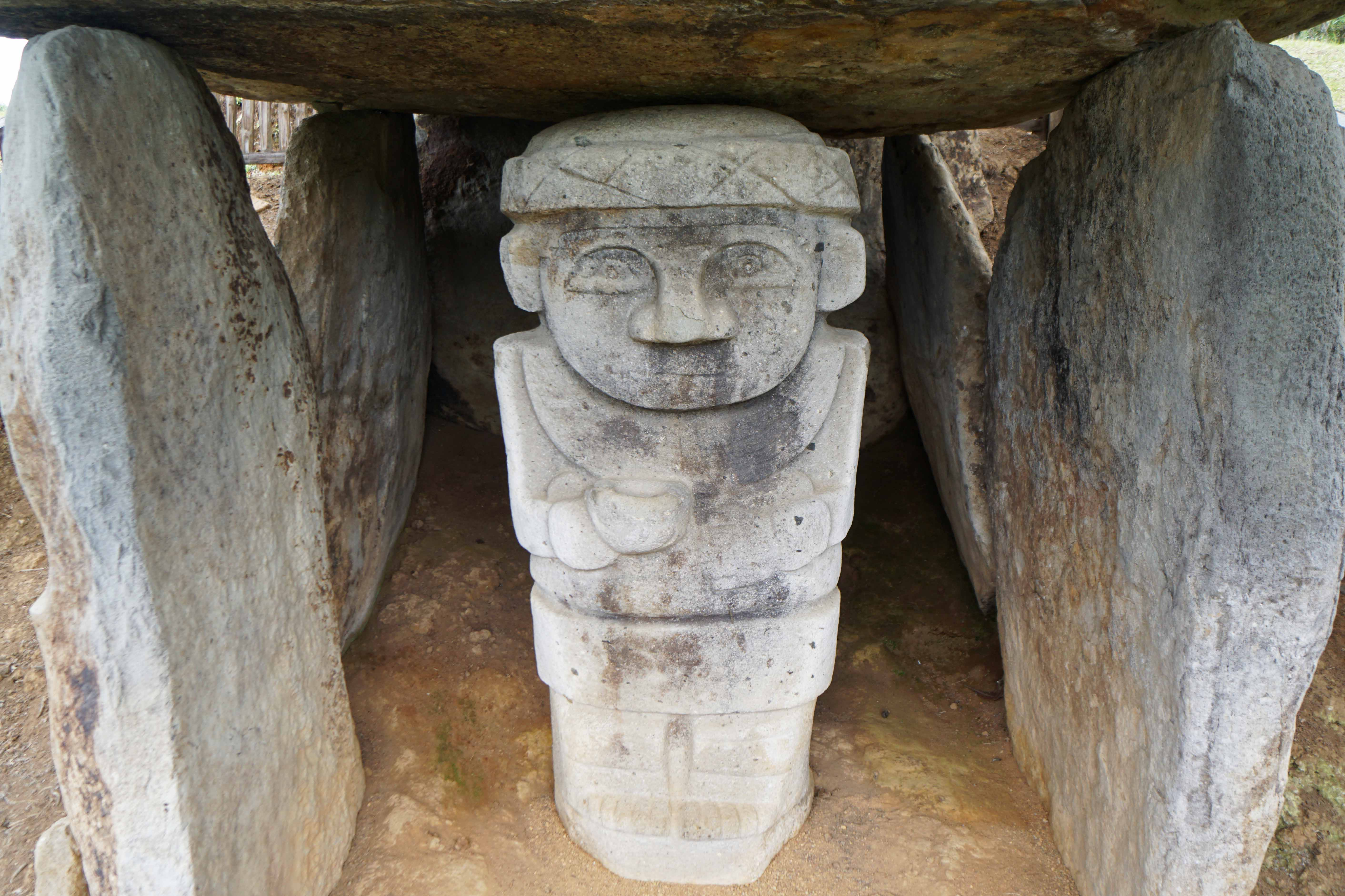 22 statue in tomb sm