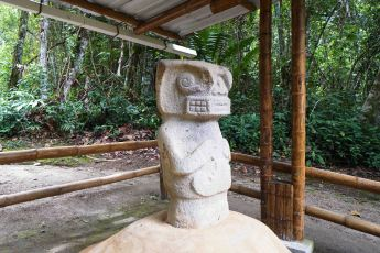 4 statue sm