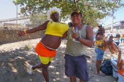 2 Carnaval Miguel with guy in drag sm