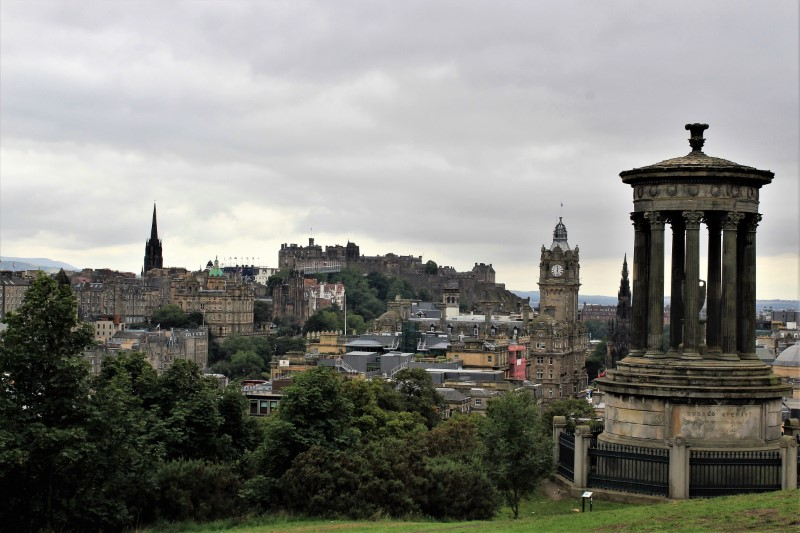 Edimburgo, il castello, i festival, i fuochi d'artifico