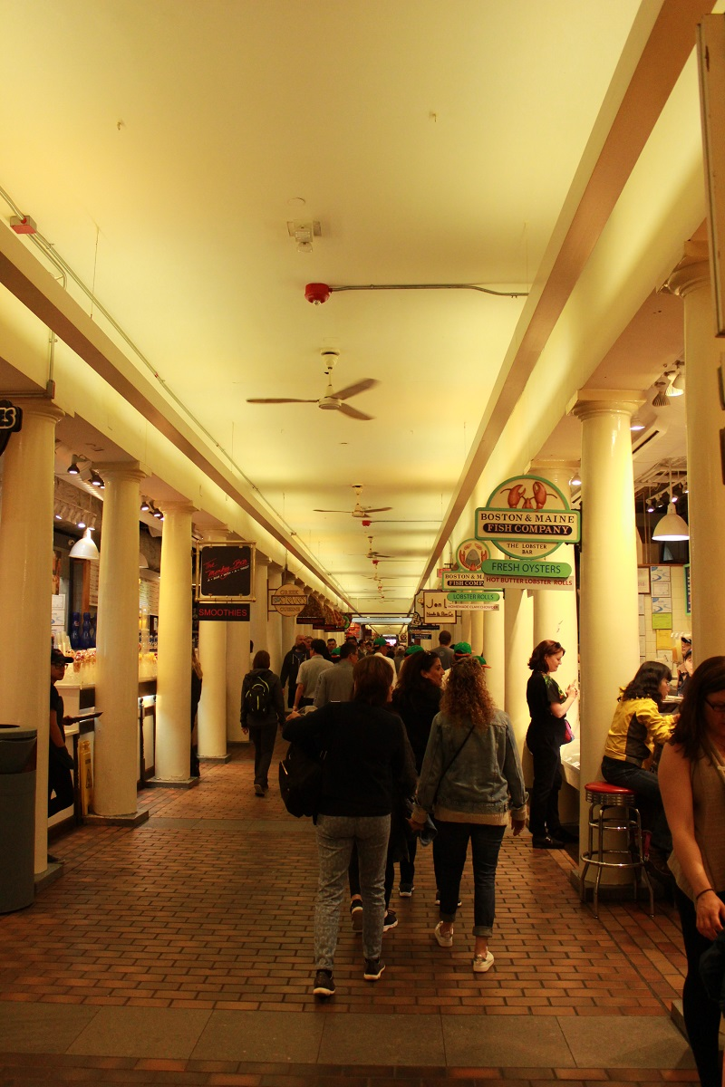 Boston Quincy Market interno