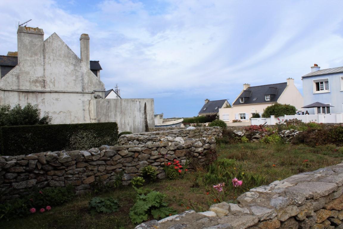 Ile-de-Sein - Ile-de-Sein-i-margini-del-borgo.jpg