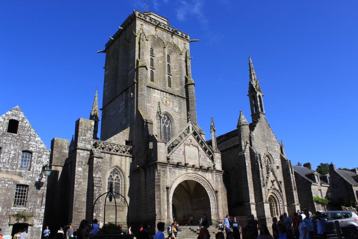 Locronan - Locronan-chiesa-di-san-Ronan.jpg